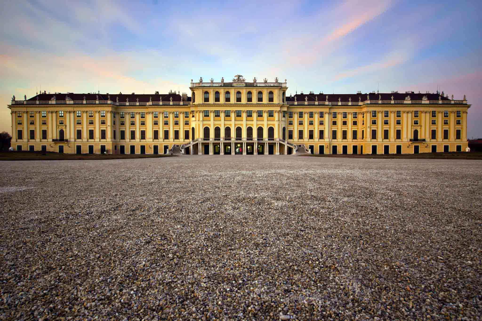 Palatul Schönbrunn din Viena